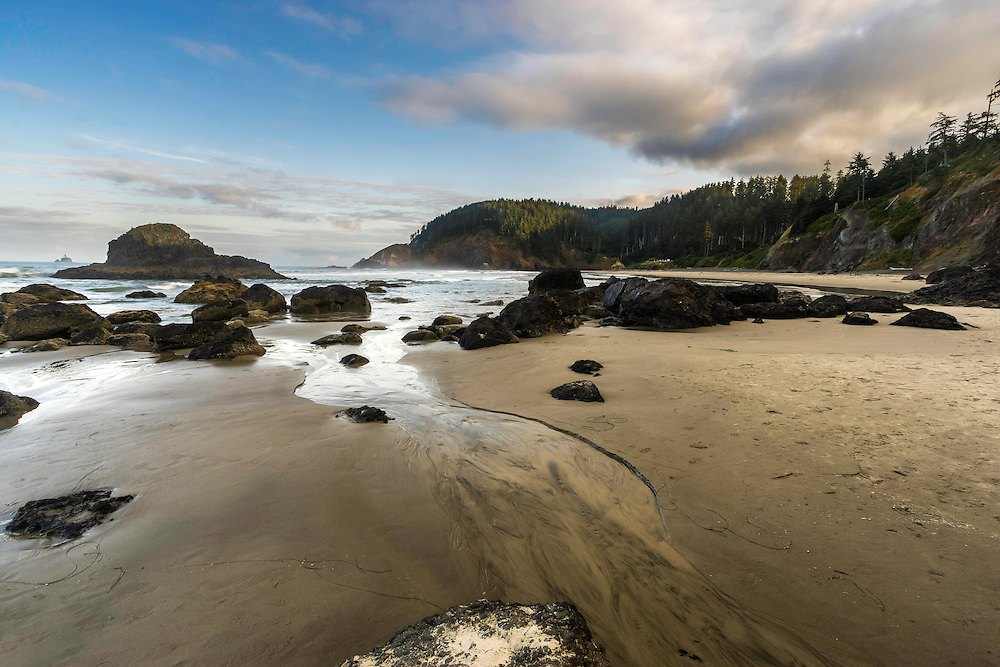 The views from Ecola State Park and the beach at sunrise near Cannon Beach in Oregon are simply stunning.
