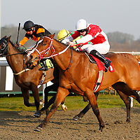 Al Khan and WIlliam Carson winning the 3.50 race