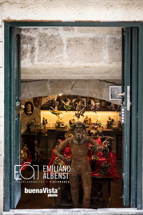 Emiliano Albensi<br /> 20/01/2017 Lecce (LE)<br /> Lecce<br /> Nella foto: statue artigianali di cartapesta, tipiche della citt&agrave; di Lecce<br /> <br /> Emiliano Albensi<br /> 20/01/2017 Lecce<br /> Lecce<br /> In the picture: handcrafted papier-m&acirc;ch&eacute; statues, typical of the city of Lecce
