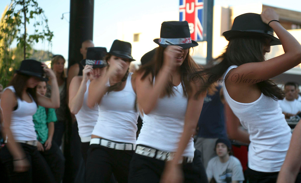 dancers at hood river 1st Friday august 2008