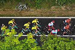 26.05.2019, Ivrea, Como, ITA, Giro d Italia 2019, 15. Etappe, Ivrea - Como (237 km), im Bild TEAM JUMBO – VISMA // TEAM JUMBO – VISMA during stage 15 of the 102nd Giro d'Italia cycling race from Ivrea to Como (237 km) Ivrea in Como, Italy on 2019/05/26. EXPA Pictures © 2019, PhotoCredit: EXPA/ laPresse/ Massimo Paolone<br /> <br /> *****ATTENTION - for AUT, SUI, CRO, SLO only*****
