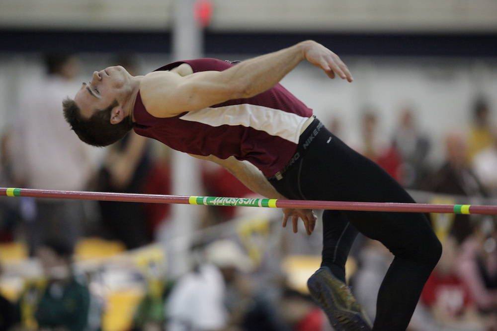 Windsor, Ontario ---12/03/09--- Geoff Hutten of  McMaster University competes in the mens pentathlon high jump at the CIS track and field championships in Windsor, Ontario, March 12, 2009..GEOFF ROBINS Mundo Sport Images