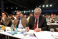 01 DEC 2003, BERLIN/GERMANY:<br /> Frank Bsirske (L), Vorsitzender Gewerkschaft ver.di, und Michael Sommer (R), Vorsitzender des Deutschen gewerkschaftsbundes, DGB, 17. CDU Parteitag, Messe Leipzig<br /> IMAGE: 20031201-01-058<br /> KEYWORDS: party congress