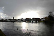 Henley on Thames. United Kingdom.  General View, across the River Thames at the town on the Oxfordshire bank. Henley Reach.   <br /> <br /> Saturday  28/01/2017<br /> <br /> © Peter SPURRIER<br /> <br /> LEICA CAMERA AG  LEICA Q (Typ 116)  f1.7  1/16000sec  28mm  3.3MB