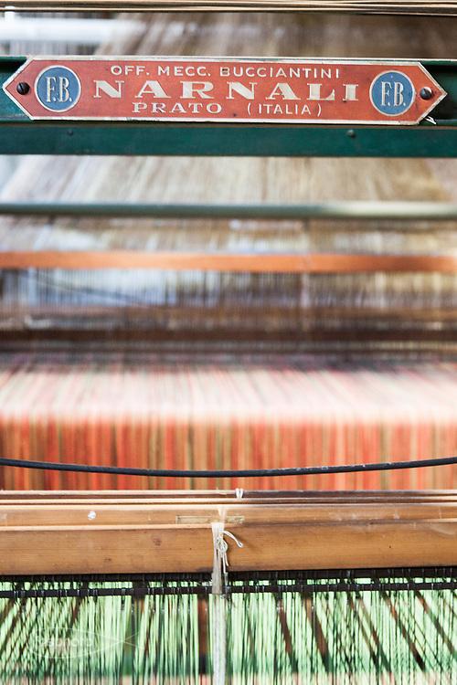 Soveria Mannelli (CZ) - Lanificio Leo. Il Lanificio usa ancora parecchi telai prodotti in altri distretti produttivi italiani.
