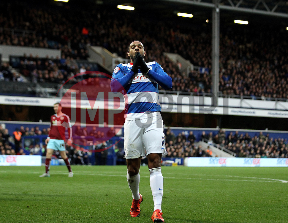 Matt Phillips of Queens Park Rangers shows his frustration after missing a chance - Mandatory byline: Robbie Stephenson/JMP - 12/12/2015 - Football - Loftus Road - London, England - Queens Park Rangers v Burnley  - Sky Bet Championship
