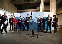 Nederland. Den Haag, 20 februari 2010.<br /> 05.06 uur, persconferentie Bos in ministerie van Financien, achtergrond, v.ln.l.r: minister van der Laan, staatssecretaris Klijnsma, staatssecretaris Albayrak, staatssecretaris Dijksma, minister Koenders, Bos, minister Plasterk, minister Cramer en fractievoorzitter Hamer.<br /> Premier Balkenende gaat het ontslag van zijn vierde kabinet indienen bij koningin Beatrix. Na een keiharde confrontatie in de ministerraad over de militaire missie in Uruzgan bleek rond vier uur 's nachts nog maar één conclusie mogelijk: aftreden.<br /> Foto Martijn Beekman