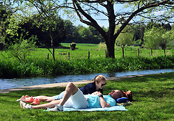 &copy; Licensed to London News Pictures.04/05/2018<br /> EYNSFORD, UK.<br /> Photo credit:Grant Falvey/LNP<br /> Picnic next to the River Darent.  (permission given)<br /> The Start of the May Bank holiday weekend today as people enjoy a relaxing day in Eynsford, Kent.
