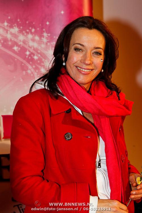 NLD/Amsterdam/20100401 - Inloop premiere Disney on Ice, Marjolein Keuning