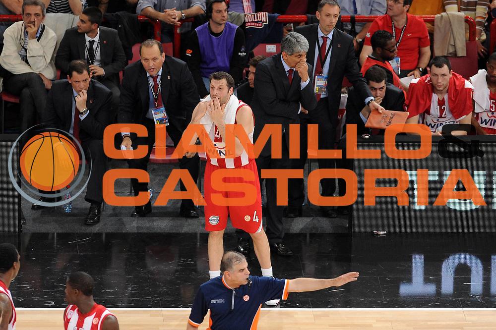 DESCRIZIONE : Parigi Paris Eurolega Eurolegue 2009-10 Final Four Semifinale Semifinal Partizan Belgrado Olympiacos Pireo Atene<br /> GIOCATORE :  Theodoros Papaloukas<br /> SQUADRA : Olympiacos Pireo Atene<br /> EVENTO : Eurolega 2009-2010 <br /> GARA : Partizan Belgrado Olympiacos Pireo Atene<br /> DATA : 07/05/2010 <br /> CATEGORIA : ritratto esultanza<br /> SPORT : Pallacanestro <br /> AUTORE : Agenzia Ciamillo-Castoria/GiulioCiamillo<br /> Galleria : Eurolega 2009-2010 <br /> Fotonotizia : Parigi Paris Eurolega Euroleague 2009-2010 Final Four Semifinale Semifinal Partizan Belgrado Olympiacos Pireo Atene<br /> Predefinita :