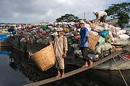 Vietnam-people Saigon