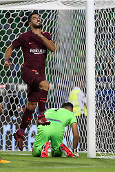 September 27, 2017 - Lisbon, Portugal - Barcelona forward LUIS SUAREZ celebrates after scoring against Sporting Lisbon during UEFA Champions League action at the Alvalade stadium.  (Credit Image: © Pedro Fiuza/NurPhoto via ZUMA Press)