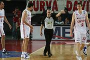 DESCRIZIONE : Roma Lega A1 2006-07 Lottomatica Virtus Roma Whirlpool Varese <br /> GIOCATORE : Bodiroga Arbitro <br /> SQUADRA : Lottomatica Virtus Roma <br /> EVENTO : Campionato Lega A1 2006-2007 <br /> GARA : Lottomatica Virtus Roma Whirlpool Varese <br /> DATA : 25/04/2007 <br /> CATEGORIA : Delusione <br /> SPORT : Pallacanestro <br /> AUTORE : Agenzia Ciamillo-Castoria/G.Ciamillo
