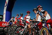 Jeunes cyclistes avant le départ du Gruyère Cycling Tour à Bulle. Junge Velorennfahrer am Start der Gruyère Cycling Tour à Bulle. © Romano P. Riedo