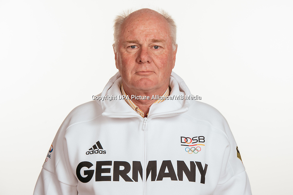 Henning von Papen poses at a photocall during the preparations for the Olympic Games in Rio at the Emmich Cambrai Barracks in Hanover, Germany, taken on 15/07/16 | usage worldwide