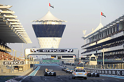 13.11.2011, Yas-Marina-Circuit, Abu Dhabi, UAE, Grosser Preis von Abu Dhabi, im Bild F1 Race Start  // during the Formula One Championships 2011 Large price of Abu Dhabi held at the Yas-Marina-Circuit, 2011/11/13. EXPA Pictures © 2011, PhotoCredit: EXPA/ nph/ Dieter Mathis..***** ATTENTION - OUT OF GER, CRO *****