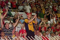 MONACO, FRANCE - Friday, August 24, 2001: Liverpool's fans celebrate the 3-2 UEFA Super Cup victory over Bayern Munich at the Stade Louis II in Monaco. (Pic by David Rawcliffe/Propaganda)