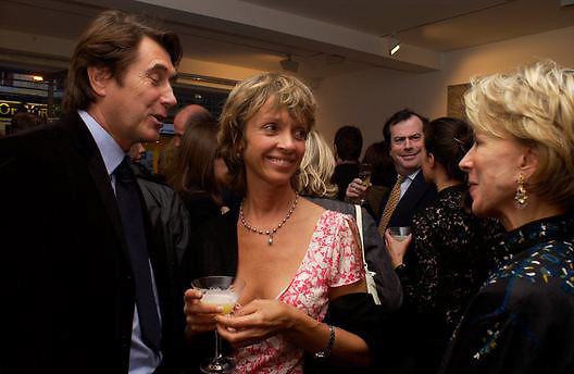 Bryan Ferry, Sabrina Guinness and Anne Bass, Timothy Taylor new gallery opening, Dering  St. 20 May 2003. © Copyright Photograph by Dafydd Jones 66 Stockwell Park Rd. London SW9 0DA Tel 020 7733 0108 www.dafjones.com