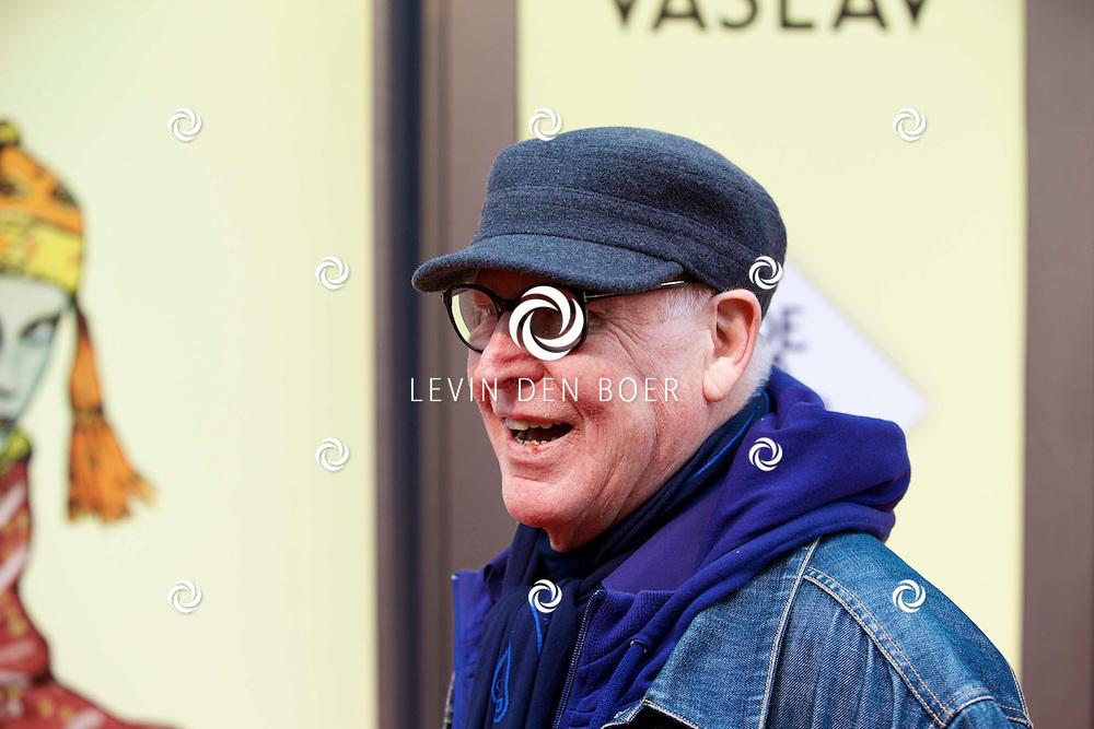 AMSTERDAM - Het toneelstuk Vaslav is in premiere gegaan in theater DeLaMar.  Hans van Manen op de rode loper. FOTO LEVIN DEN BOER - PERSFOTO.NU