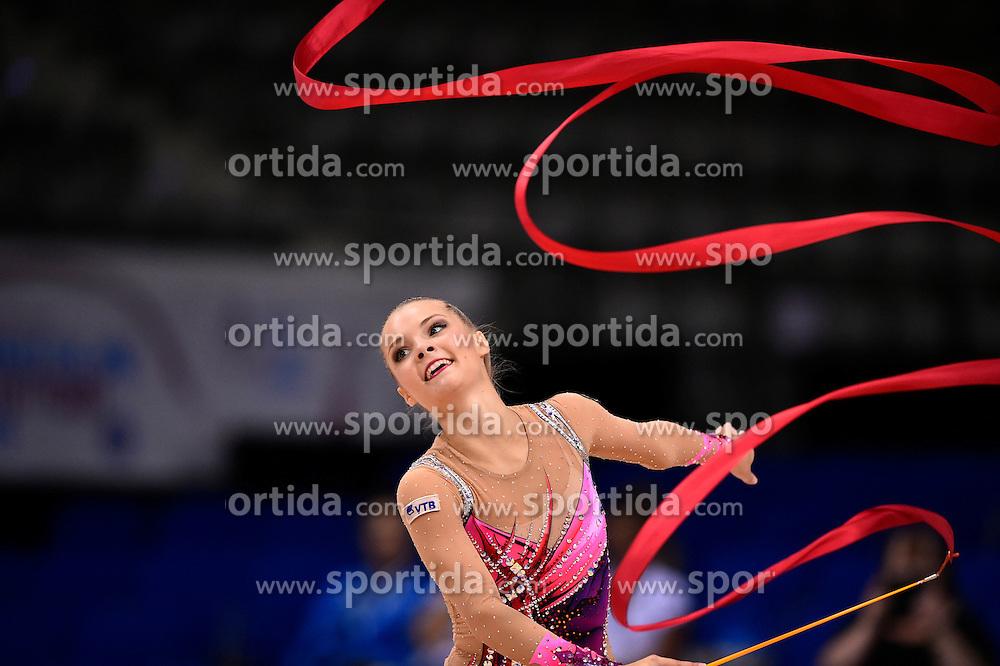 09.09.2015, Porsche Arena, Stuttgart, GER, Gymnastik WM, im Bild Laura Jung (GER) Band // during the World Rhythmic Gymnastics Championships at the Porsche Arena in Stuttgart, Germany on 2015/09/09. EXPA Pictures &copy; 2015, PhotoCredit: EXPA/ Eibner-Pressefoto/ Weber<br /> <br /> *****ATTENTION - OUT of GER*****