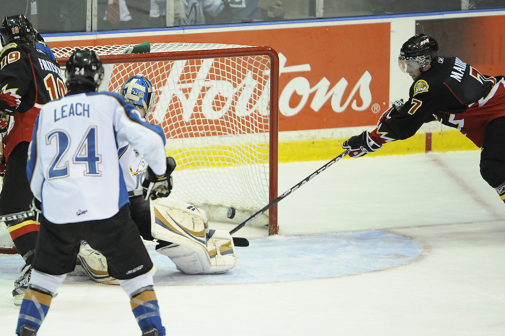 Game action from Thursday's tie-breaker game between the Owen Sound Attack and Kootenay Ice at the 2011 MasterCard Memorial Cup in Mississauga, ON. Photo by Aaron Bell/CHL Images