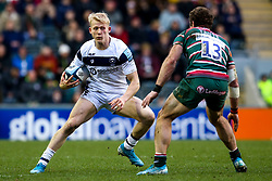 Toby Fricker of Bristol Bears takes on Jaco Taute of Leicester Tigers - Mandatory by-line: Robbie Stephenson/JMP - 04/01/2020 - RUGBY - Welford Road - Leicester, England - Leicester Tigers v Bristol Bears - Gallagher Premiership Rugby