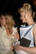 Sophia Dawnay and Siobhan Hewlett, Glamour Women of the Year Awards 2006, Berkeley Sq. London. 6 June 2006. -DO NOT ARCHIVE-© Copyright Photograph by Dafydd Jones 66 Stockwell Park Rd. London SW9 0DA Tel 020 7733 0108 www.dafjones.com