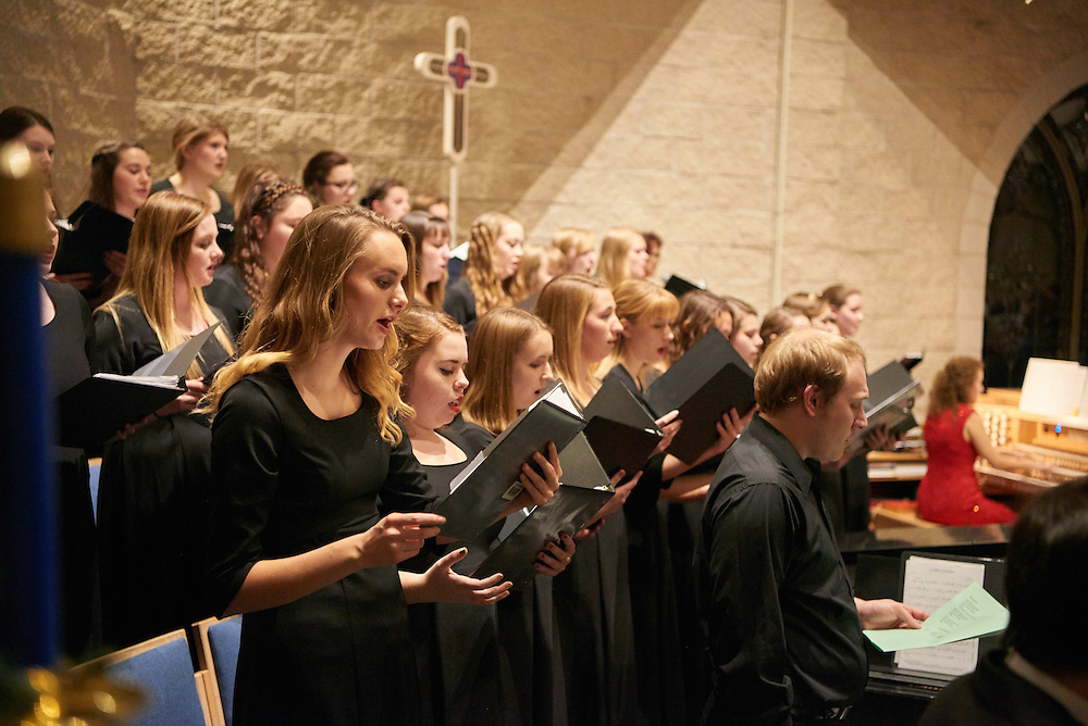 -UWL UW-L UW-La Crosse University of Wisconsin-La Crosse; December; evening; Group; Inside; Music; Singing; Student students; Woman women