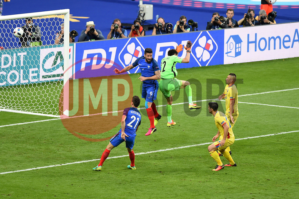 Olivier Giroud of France scores the opening goal of the game  - Mandatory by-line: Joe Meredith/JMP - 10/06/2016 - FOOTBALL - Stade de France - Paris, France - France v Romania - UEFA European Championship Group A
