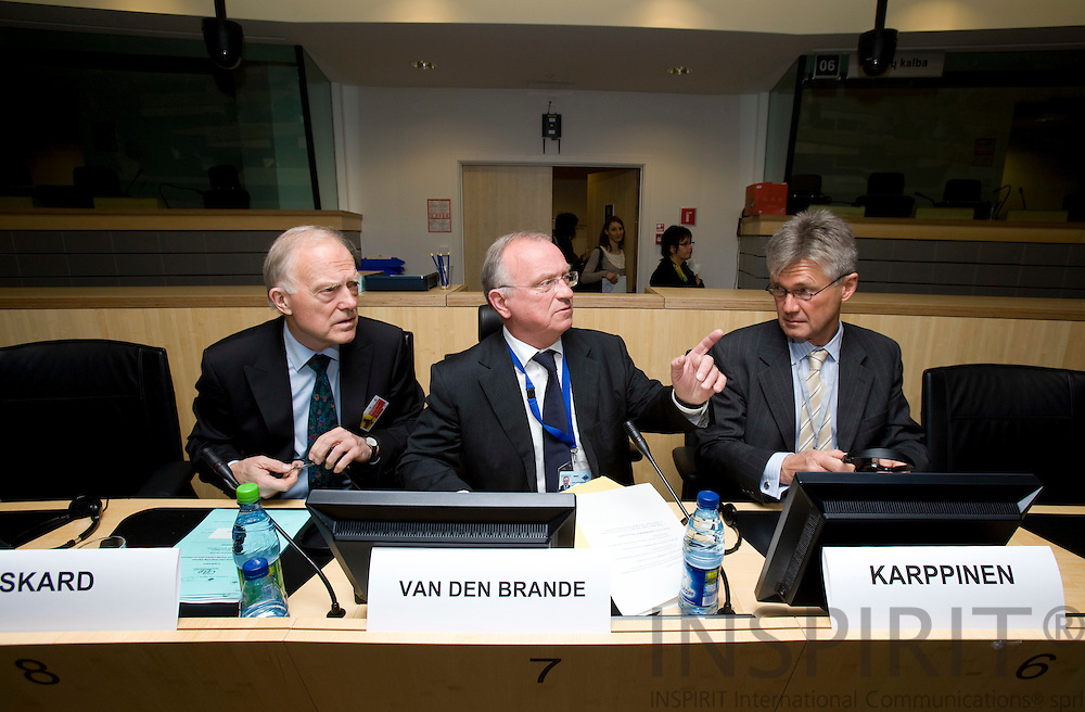 BRUSSELS - BELGIUM - 07 APRIL 2008 --  EUROPEAN CITIES INTEGRATING MIGRANTS -- FROM AMSTERDAM TO ZAGREB: FOSTERING A DIALOGUE ABOUT SUCCESSFUL POLICIES -- From left Halvdan SKARD, Councillor, Baerum Municipal Council (NOR), President of the Congress of Local and Regional Authorities, Council of Europe, Luc van den BRANDE, President of the Committee of the Regions, Jorma KARPPINEN, Director, European Foundation for the Improvement of Living and Working Conditions.   Photo: Erik Luntang