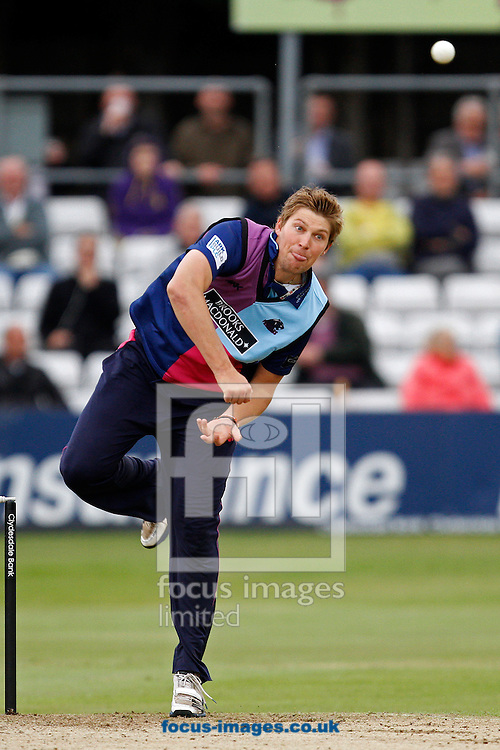 Picture by Daniel Chesterton/Focus Images Ltd. 07966 018899.18/07/12.Ollie Rayner of Middlesex Panthers bowls during the Clydesdale Bank 40 match at The Ford County Ground, Chelmsford, Essex.