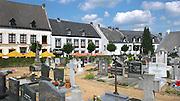 Nederland, Thorn, 15-7-2011Limburg, Gemeente Maasgouw, Het Witte Stadje . Wit gekalkte huizen in het oude centrum. De begraafplaats. Foto: Flip Franssen/Hollandse Hoogte