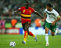 v.l. Andre, Rafael Marquez Mexiko<br /> <br /> Fussball WM 2006 Mexiko - Angola<br /> Mexico - Angola<br /> Norway only