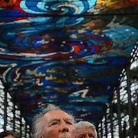 Toluca, México.El artista Leopoldo Flores durante la celebración del Jardín Botanico Cosmovitral por su 35 aniversario, con conferencias y la septima exposición Pasión por el Bonsai, invitando al publico a visitar este maravilloso lugar.  Agencia MVT / José Hernández