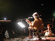 Una foto de archivo, tomada el 10 de marzo de 2002, muestra al músico uruguayo Daniel Viglietti después de tocar en el festival Verdad en San Salvador, El Salvador. El músico de 78 años falleció por complicaciones durante una operación quirúrgicas. Daniel Viglietti, uno de los más reconocidos e influyentes de la música popular en Uruguay, falleció este lunes OCT 30, 2017. Photo: Edgar ROMERO/Imagenes Libres.