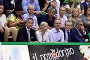 DESCRIZIONE : Siena Lega A 2013-14 Montepaschi Siena vs EA7 Emporio Armani Milano playoff Finale gara 4<br /> GIOCATORE : Stefania Giannini Florenzo Storelli<br /> CATEGORIA : Vip<br /> SQUADRA : <br /> EVENTO : Finale gara 4 playoff<br /> GARA : Montepaschi Siena vs EA7 Emporio Armani Milano playoff Finale gara 4<br /> DATA : 21/06/2014<br /> SPORT : Pallacanestro <br /> AUTORE : Agenzia Ciamillo-Castoria/GiulioCiamillo<br /> Galleria : Lega Basket A 2013-2014  <br /> Fotonotizia : Siena Lega A 2013-14 Montepaschi Siena vs EA7 Emporio Armani Milano playoff Finale gara 4<br /> Predefinita :