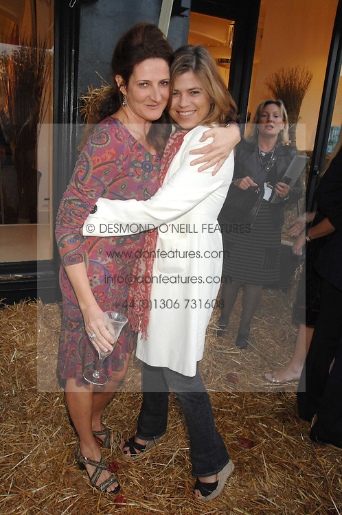 Left to right, KATHRYN IRELAND and SARAH STANDING at a party to celebrate the publication of Country Living by Kathryn Ireland held at Blanchards, 86-88 Pimlico Road, London SW1 on 25th September 2007.<br /><br />NON EXCLUSIVE - WORLD RIGHTS