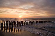 Europe, Netherlands, Zeeland, sunset at the beach in Domburg on the peninsula Walcheren, groins.....Europa, Niederlande, Zeeland, Sonnenuntergang am Strand von Domburg auf Walcheren, Buhnen...