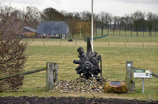 Nederland, Markelo, 11-4-2013Monument ter nagedachtenis aan neergestorte bommenwerpers en hun Nieuwzeelandse bemanningsleden.Foto: Flip Franssen/Hollandse Hoogte