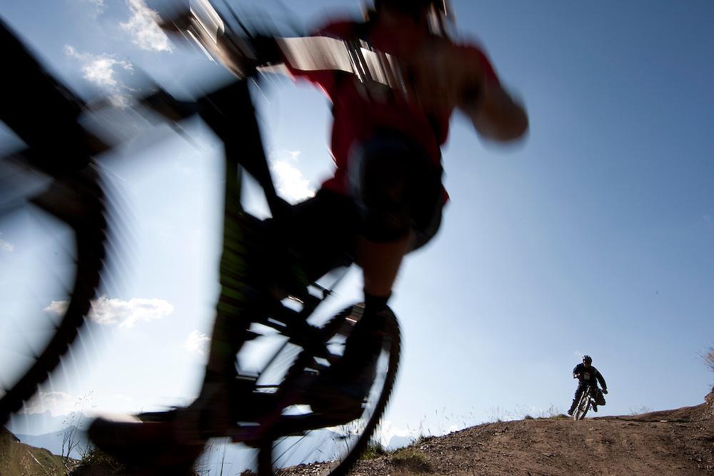 Rider: Ben Walker and Yussuf Location: Les Crosets (Switzerland)