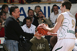 Zoran Jankovic caught the ball and is giving it to Goran Dragic at Euroleague basketball game between Union Olimpija from Ljubljana, Slovenia and Virtus VidiVici from Bologna, Italy, played in Ljubljana on January 24, 2008. Union Olimpija won the game 75:60. (Photo by Vid Ponikvar / Sportal Images).