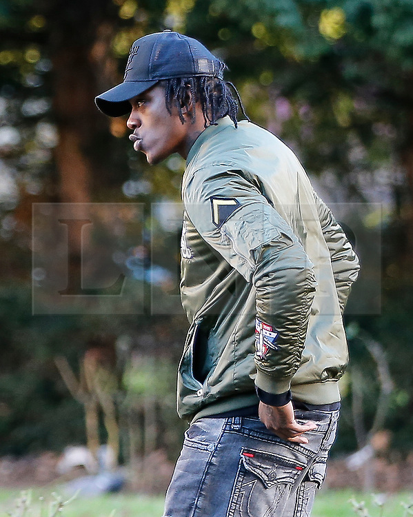© Licensed to London News Pictures. 11/01/2017. London, UK. Former Newcastle United Premier League striker NILE RANGER arrives at Wood Green Crown Court in North London, where is faces charges relating to fraud and money laundering.The 25-year-old footballer is accused of attempting to obtain a vulnerable person's bank account details. Photo credit: Tolga Akmen/LNP