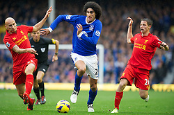 28.10.2012, Goodison Park, Liverpool, ENG, Premier League, FC Everton vs FC Liverpool, 9. Runde, im Bild Everton's Marouane Fellaini and Liverpool's Jonjo Shelvey and Joe Allen during the English Premier League 9th round match between Everton FC and Liverpool FC at the Goodison Park, Liverpool, Great Britain on 2012/10/28. EXPA Pictures © 2012, PhotoCredit: EXPA/ Propagandaphoto/ David Rawcliffe..***** ATTENTION - OUT OF ENG, GBR, UK *****