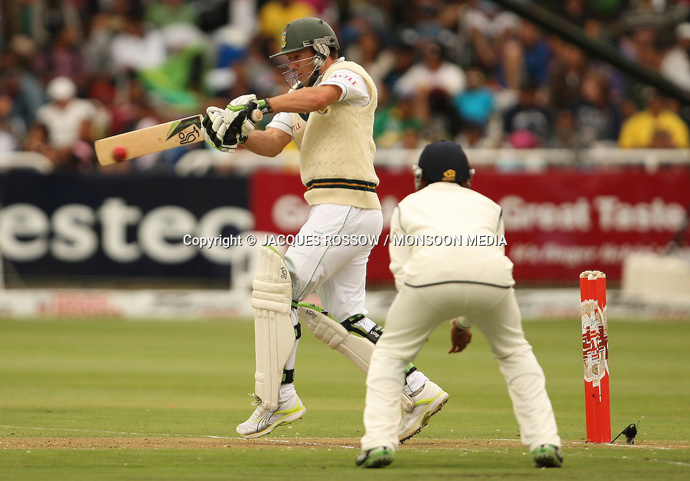 AB de Villiers smashes a short ball straight into the short-leg fielder during Day 1 of the third and final Test between South Africa and India played at Sahara Park Newlands in Cape Town, South Africa, on 2 January 2011. Photo by Jacques Rossouw / MONSOON MEDIA