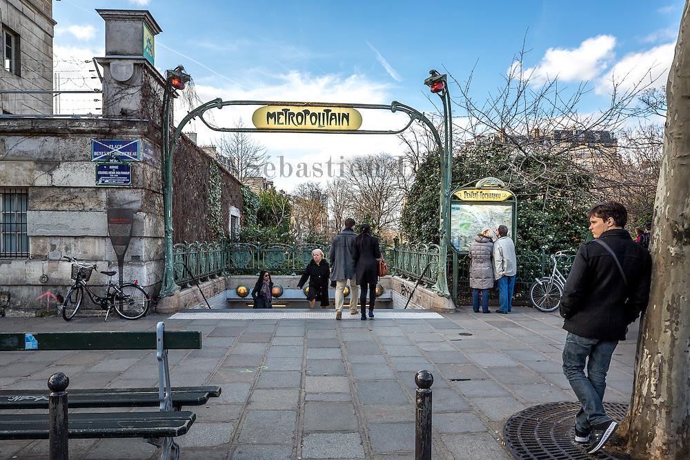 Station de métro Denfert Rochereau //  Denfert Rochereau metro station