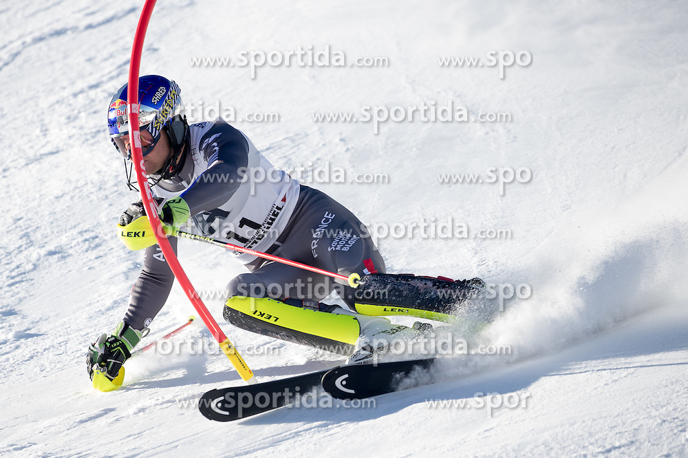 22.01.2017, Hahnenkamm, Kitzbühel, AUT, FIS Weltcup Ski Alpin, Kitzbuehel, Slalom, Herren, 1. Lauf, im Bild Alexis Pinturault (FRA) // Alexis Pinturault of France in action during his 1st run of men's Slalom of FIS ski alpine world cup at the Hahnenkamm in Kitzbühel, Austria on 2017/01/22. EXPA Pictures © 2017, PhotoCredit: EXPA/ Johann Groder