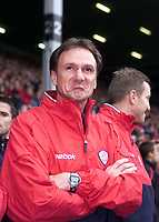 Fotball, Liverpool,  caretaker manager Phil Thompson admires the Kop's tribute to GŽrard Houllier.