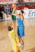 DESCRIZIONE : Bormio Torneo Internazionale Gianatti Italia Australia <br /> GIOCATORE : Matteo Soragna<br /> SQUADRA : Nazionale Italia Uomini <br /> EVENTO : Bormio Torneo Internazionale Gianatti <br /> GARA : Italia Australia <br /> DATA : 03/08/2007 <br /> CATEGORIA : Tiro<br /> SPORT : Pallacanestro <br /> AUTORE : Agenzia Ciamillo-Castoria/G.Cottini<br /> Galleria : Fip Nazionali 2007 <br /> Fotonotizia : Bormio Torneo Internazionale Gianatti Italia Australia<br /> Predefinita :