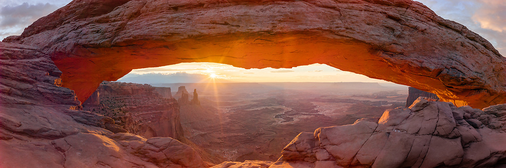 https://Duncan.co/mesa-arch-at-sunrise