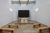 Gedenkstätte Schlösselberg bei Mogersdorf, Bezirk Güssing, Burgenland.Architektur: Ottokar Uhl.Erbaut: 1964.Altar mit Kupfertreibarbeit von Rudolf Kedl